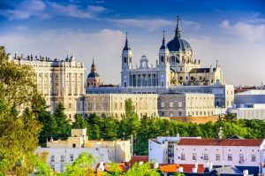 Nakvynė Madride